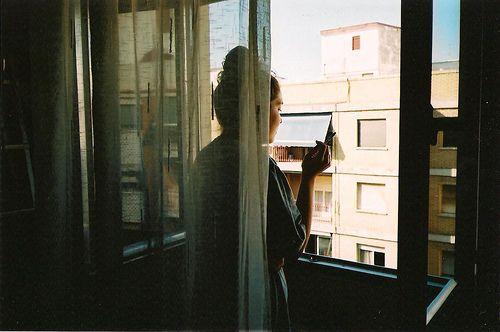 """arboles-sonrientes: """" Por que siempre te ha gustado hacerme sentir mal? on Flickr. """""""