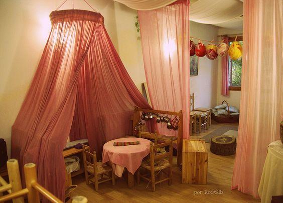 Beautiful vorhang teiler and klassenzimmer on pinterest for Spielzimmer 5 sinne