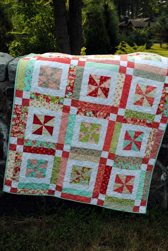 Easy Quilt Patterns Using Layer Cakes : QUILT PATTERN , Baby or Lap .... Easy...one Layer cake or Fat Quarters, Lemonade Lollipop One ...