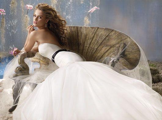 Google Image Result for http://www.dressesforflowergirl.co.uk/wp-content/uploads/2012/02/6.jpg