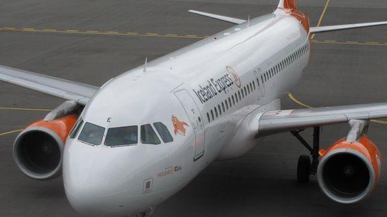 Iceland Express. First flight of the summer from Akureyri to Copenhagen.