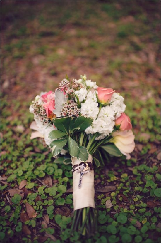 Rustic pink rose bouquet