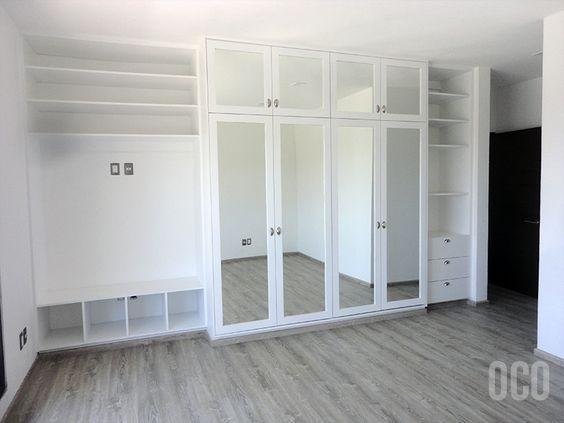 Closet blanco con espejos en puertas armarios for Armario puerta espejo