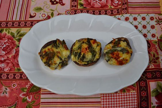 Mrs Happy Homemaker: Spinach Artichoke Dip Stuffed Mushrooms { Mrs Happy Homemaker }