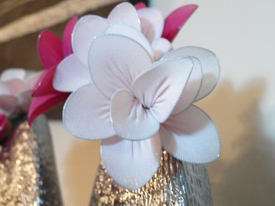 As Minhas Criações: Flores - feitas em collants (meia - calça) brunildesousa.blogspot.