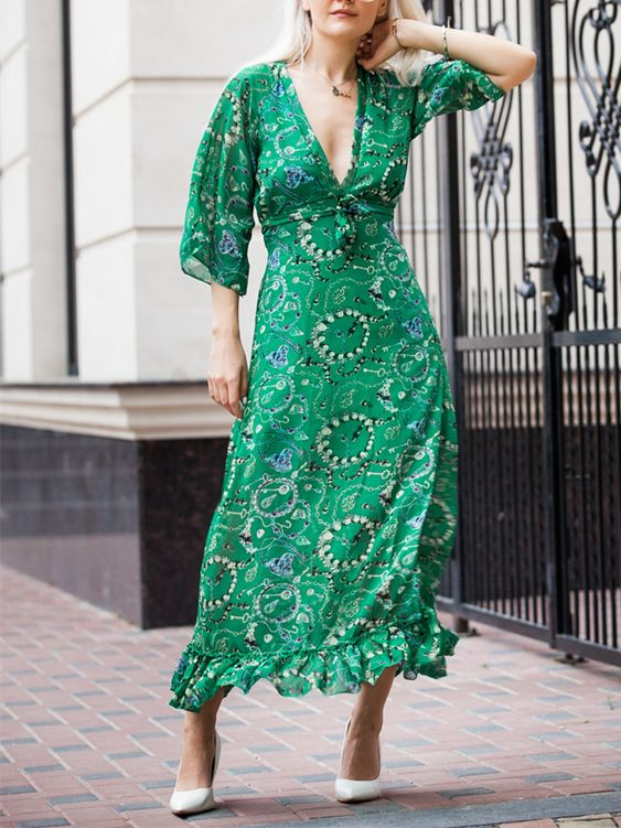 https://www.fashionmia.com/Products/deep-v-neck-printed-maxi-dress-212652.html