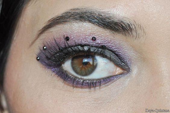 paarse make-up met rhinestones