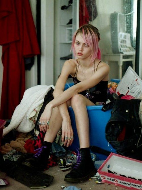 Charlotte Free graced most of this years catwalk shows, her super cool grungy look and amazing pink hair makes her one of the most iconic super models of this era!