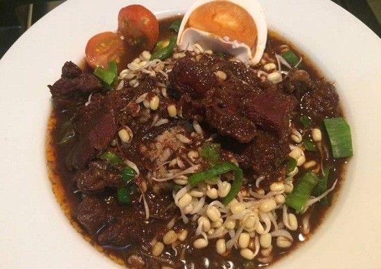 Resep Cara Membuat Rawon Daging Khas Jawa Timur Berikut Bumbu Selerasa Com Resep Resep Masakan Resep Daging