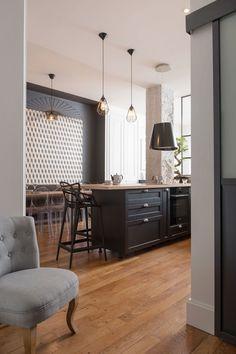 Avant Apres Un Appartement Modernise A Lyon En 2020 Salle A Manger Elegante Luminaires Salle A Manger Cuisine Salle A Manger