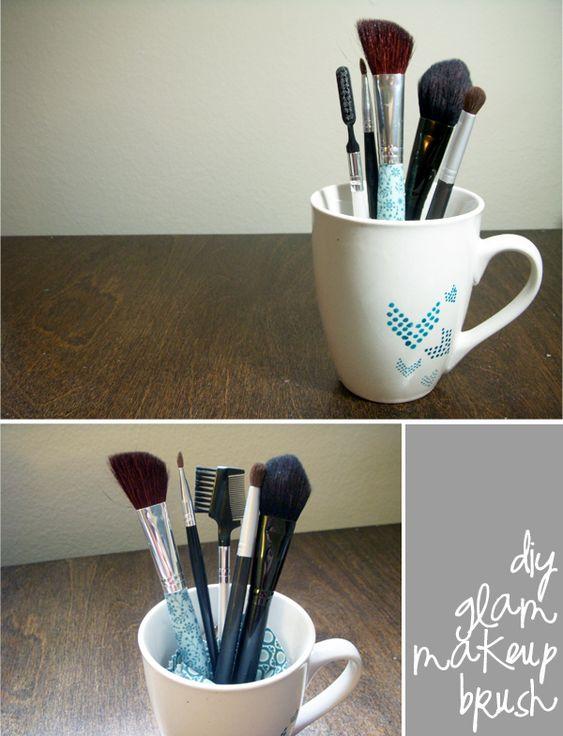 Lemon Jitters: DIY: Glam Makeup Brush: