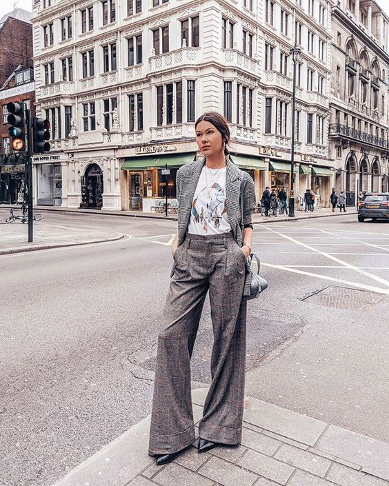 Timeless type of trousers right? #LFW      #dressesup #liketkit #prettylittleiiinspo #ootd #americanstyle #fashionweek #lfwstreetstyle