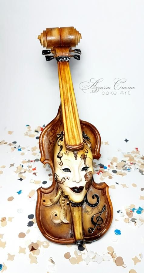 Carnival cakers collaboration the violin mask by azzurra for Violin decorating ideas