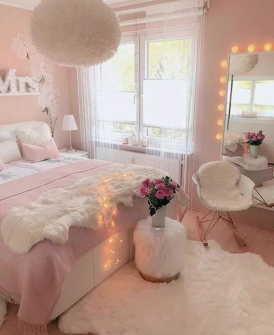 28 Small Bedroom Ideas Decor to Make Look Bigger #bedroomideas #bedroomdecor #bedroomdesign ~ Home And Garden