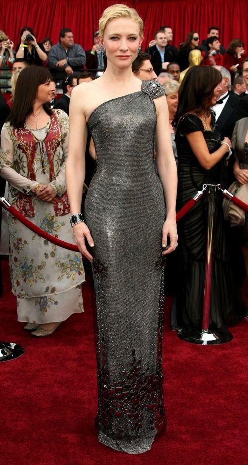 Nicole Kidman, em 1997, com um vestido Dior Couture no valor de um milhão de euros.