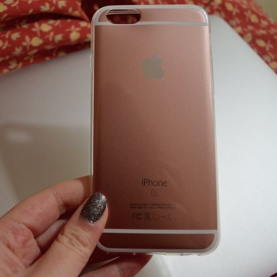 2 for $15 Rose Gold iPhone 6 Case Soft Case Fits iPhone 6/6s Same/next day shipping Price is firm. Offers will be declined. Available for $9 shipped on Ⓜ️ Comes new in Packaging. No brand. PINK Victoria's Secret Other