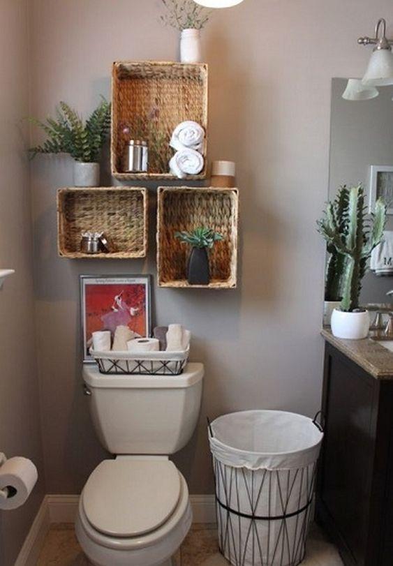 Ideas para el baño baños modernos decoración de interiores baño con pared gris cesto blanco y cestos cuadrados de mimbre