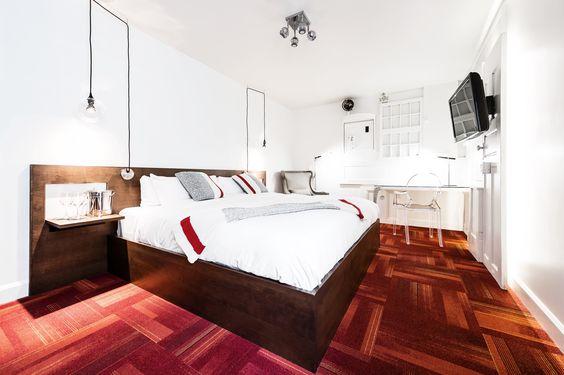 www.lec3hotel.com Pas petit ni énorme, notre établissement d'hébergement, situé proximité du VieuxQuébec,  offre  24 chambres  qui vibrent d'originalité.
