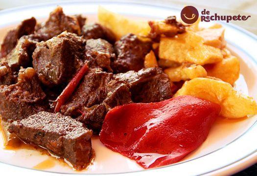 Jabalí Estofado Con Salsa De Chocolate Y Patatas Chocolate Con De Estofado Jabalí Patatas Salsa Estofado Alimentacion Bebe Patatas Guisadas Con Carne