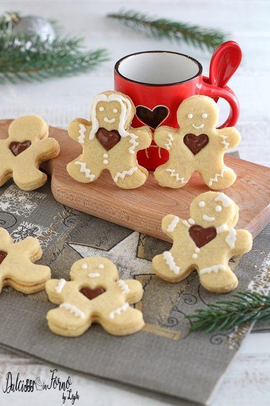 Biscotti Finti Per Albero Di Natale.Biscotti Natalizi A Forma Di Omino Con Cuore Di Nutella Finti Gingerbread Alla Nutella Ricetta Dulcisss In Forno Ricette Di Dolci Natalizi Dolci Natalizi Dolci