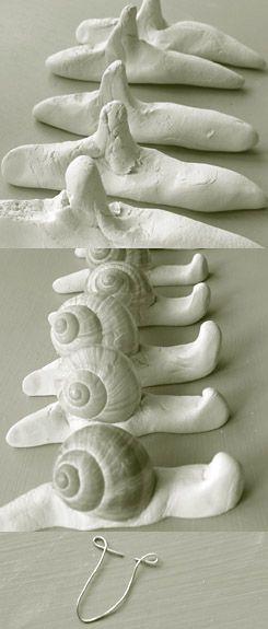 Slakken maken met klei en echte slakkenhuisjes