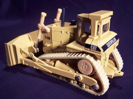 Die Cast Ertl Toy Caterpillar D10n Track Type Tractor Bulldozer