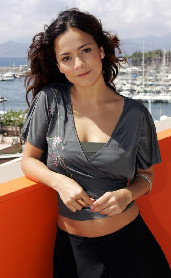 Alice Braga Bikini