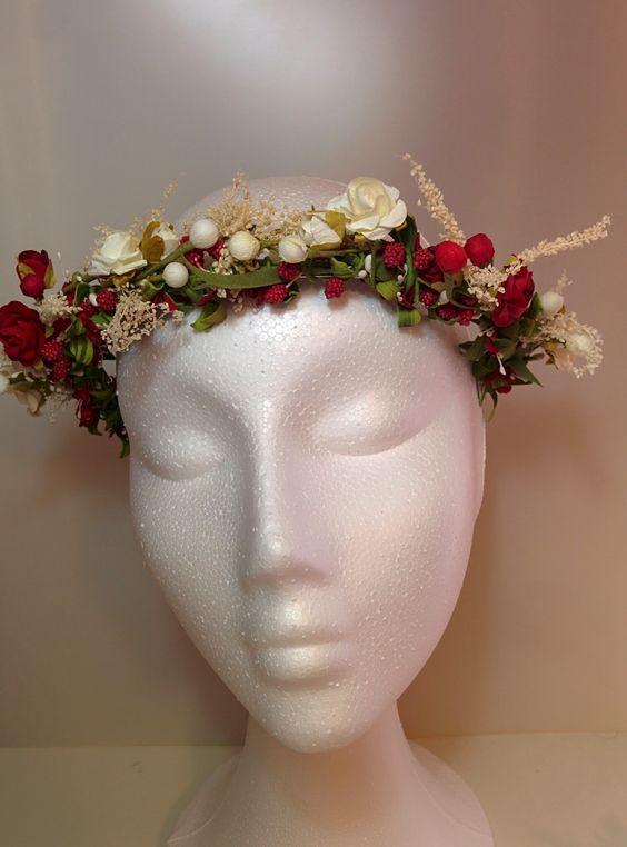 Modelo Ana  #diadema #corona #tocado #evento #boda #comunion #novia #invitada #flores #moda #diademadeflores #coronadeflores #complementos #peinado #artesania #manualidades #lamoradadenoa