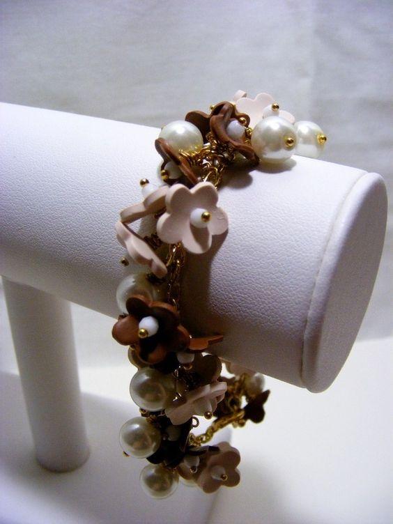 Coffee and Cream Flower Bracelet £9.00