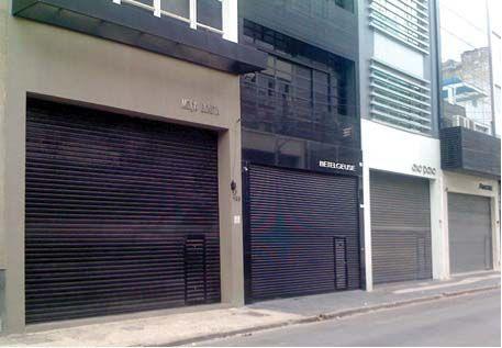 Conheça o Porta de enrolar da Aragão - http://www.aragaoportoes.com.br/porta-enrolar-aco-galvanizado.php