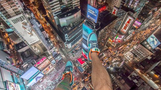 MwhqsvKlimmzgejpg Roofer - Daredevil duo climb hong kongs buildings capture like youve never seen
