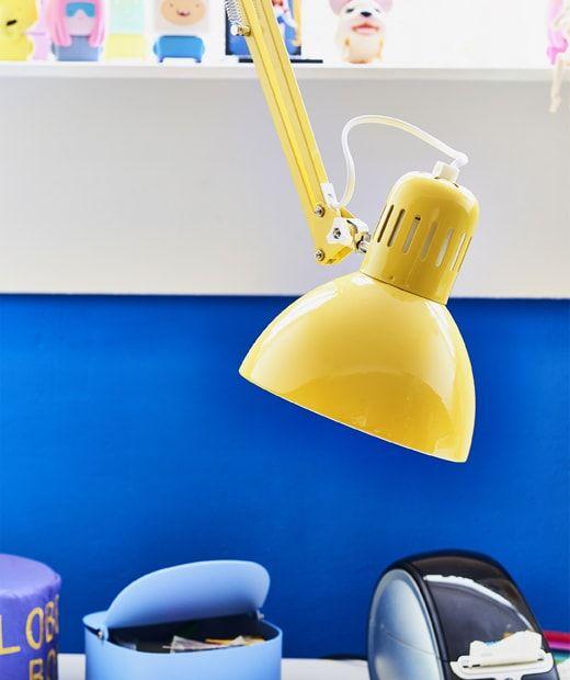 Bliski Prikaz Zute Radne Lampe Lamp Work Lamp Ikea