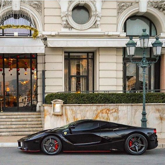 Damn!! 300.000 times #supercarsdaily700 😱😱😱. that's absolutely insane…