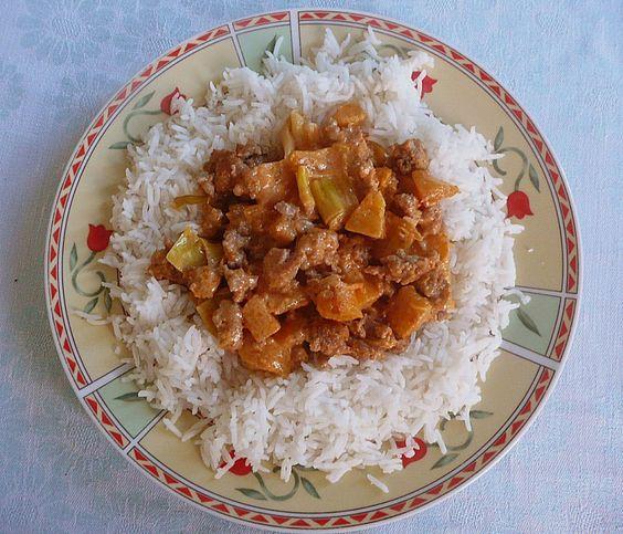 Kürbis - Pfanne mit Hackfleisch, ein gutes Rezept aus der Kategorie Gemüse. Bewertungen: 37. Durchschnitt: Ø 4,2.