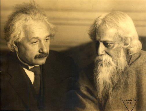 #despertar EINSTEIN: Você acredita no Divino como isolado do mundo?  TAGORE: Não isolado. http://www.brainpickings.org/2012/04/27/when-einstein-met-tagore/
