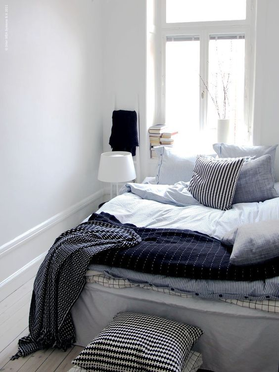 Beautiful white and blue striped pattern duvet for Ikea blue bed