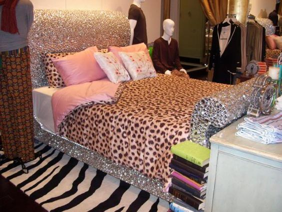LOVE rhinestone bed!