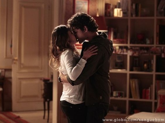 Maurício flagra Malu e Bento juntos. Ex-casal se beija! | vanessa_barreto - Yahoo TV