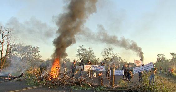 #Indígenas de MS liberam trecho da BR-163 após seis horas de bloqueio - Globo.com: Globo.com Indígenas de MS liberam trecho da BR-163 após…