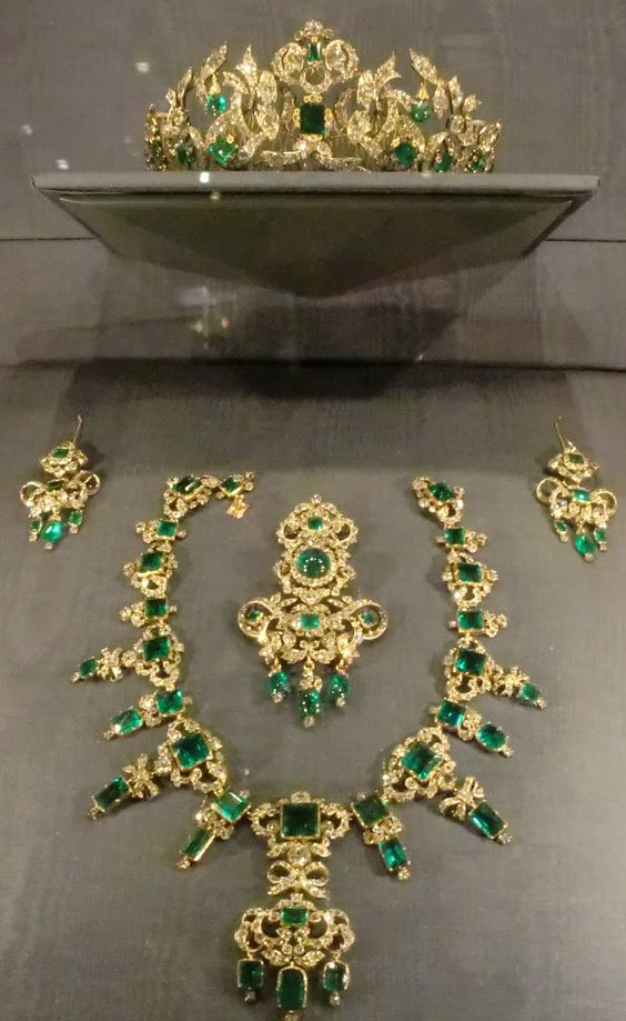 The Danish Emerald Parure.  This parure was commissioned in 1840 for Queen Caroline Amalie, the wife and consort of King Christian VIII of Denmark, on the occasion of their 25th silver wedding anniversary. It is part of Denmark's Crown Jewels, and as such is not allowed to leave Denmark, and it can only be worn by the Queen. It was made by C.M. Weisshaupt in 1840.,,so very beautiful