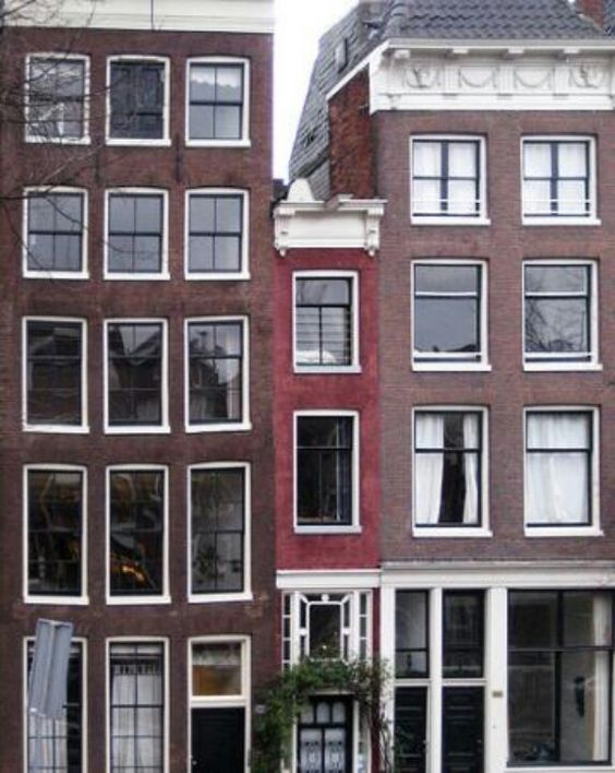 Narrowest house in the world