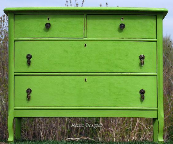 green dresser http://alittlebitoshizzle.blogspot.com
