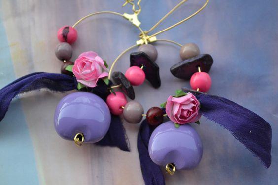 """Créoles """"Mon rose-violet de soie"""" avec ruban en soie de sari indien, perle…"""