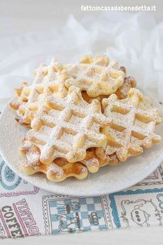 Ricetta Waffle Di Benedetta.Waffle Soffici Alla Vaniglia Ricetta Facile Di Benedetta Ricetta Facile Dei Waffle Soffici Alla Vaniglia Senza Lattosio Una Rice Ricette Dolci Ricette Dolci