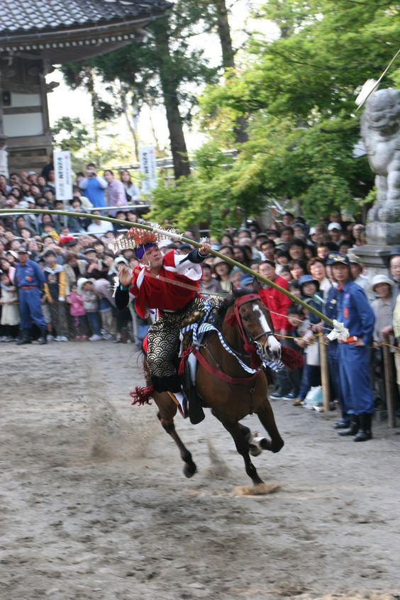 Yansanma (Yabusame as shooting of arrows while riding horses) at Kamo Shrine, Imizu City, Toyama Pref, 2014年 5月 4日 #Japan