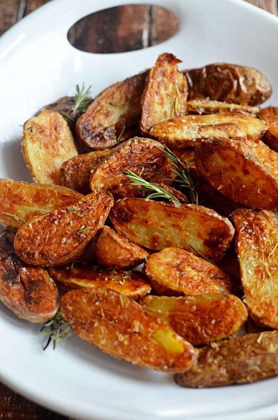 Crispy Sea Salt and Vinegar Roasted Potatoes #roasted #potatoes #side
