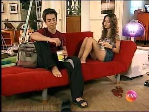 #1157 : [b] Seriado Sandy & Junior  .. ------------------------------------------- afffffffffffff quinta e sexta a TV Online estava fora do ar nem deu pra assistir o Seriado  espero que amanhã  esteja funcionando senão eu vou ficar muito triste =( .. Fofos o Ju e Sandy comendo Macarrão instantâneo aquele de copinho sabem  já comi hoje não como mais ..   Sandy e Junior 4 temporada episódio 146-Detonação geral parte 1   /// https://