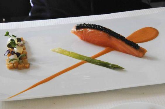 (c) Saumon mi-cuit et caviar d'Aquitaine, corail en émulsion, by Chantal