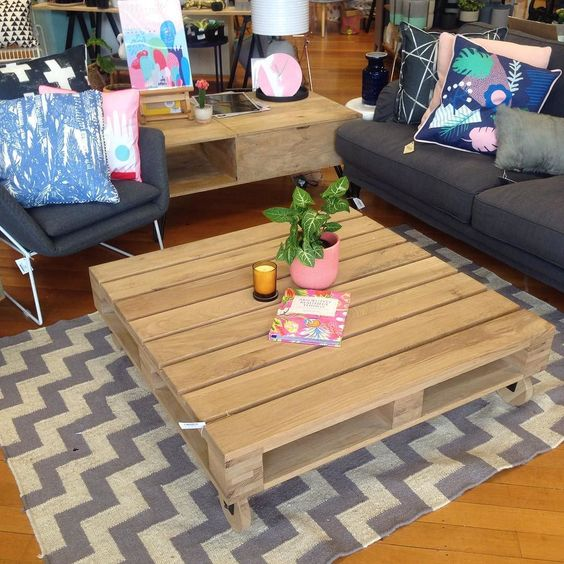 I am crushing on this coffee table right now... Like a pallet but beautiful timber that's nothing like a pallet!! #stfdnz #coffeetable #pallet