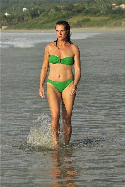 Hottest bikini bodies: Celebs over 40 | Green bikini ...
